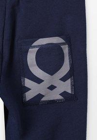 Benetton - TROUSERS BASIC - Spodnie treningowe - dark blue - 5