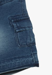 Benetton - SHORTS - Pantalones deportivos - blue denim - 4