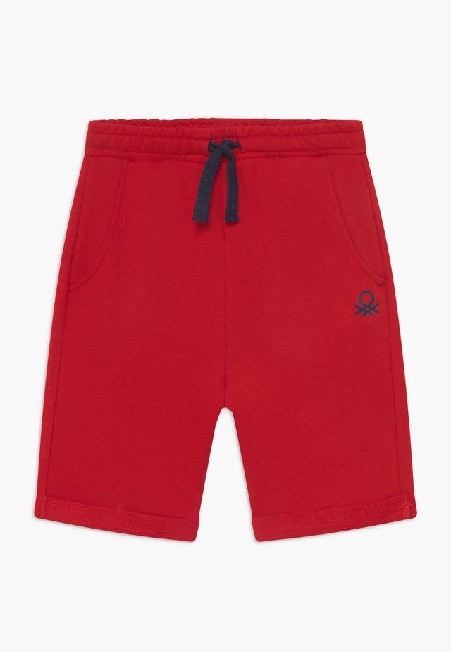 BERMUDA - Shorts - red