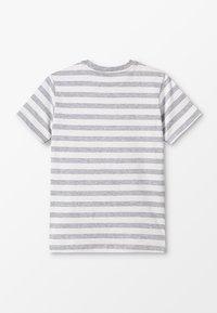 Benetton - T-shirt z nadrukiem - grey/white - 1
