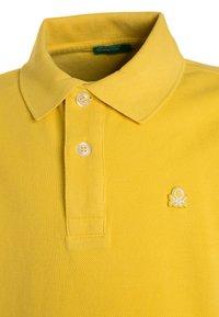 Benetton - Polo - yellow - 2