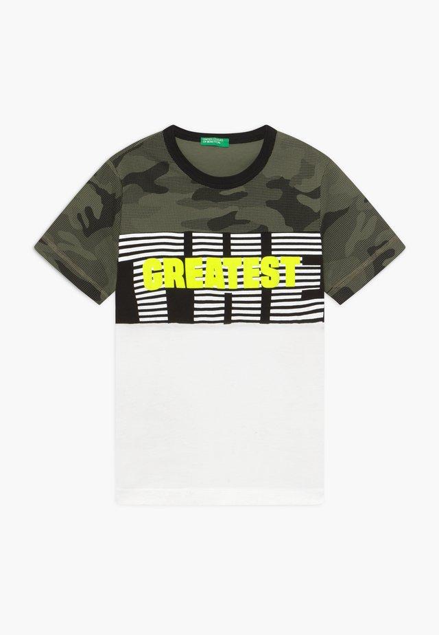 T-shirt med print - white/khaki