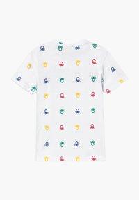 Benetton - T-shirt z nadrukiem - white - 1