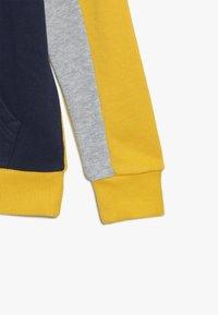 Benetton - Hoodie - yellow - 4
