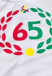 Benetton - HOOD - Smanicato - white - 3