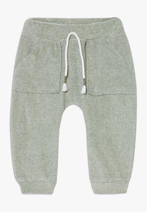 TROUSERS - Teplákové kalhoty - khaki