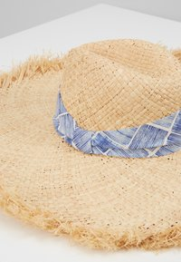 Benetton - Hat - beige - 2