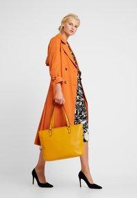 Benetton - Shopping bag - yellow - 1