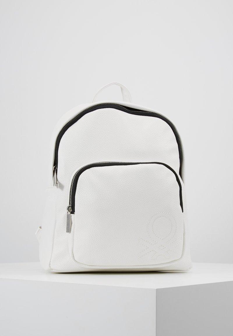 Benetton - Tagesrucksack - white
