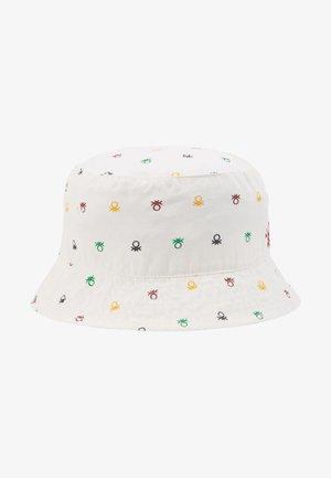 HAT - Hatt - white