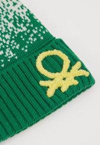 Benetton - HAT - Čepice - offwhite/green - 2