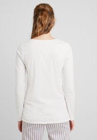 Benetton - WARM LONG SLEEVE HANDFEEL - Pyjamasoverdel - ice - 2