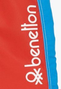 Benetton - SWIM TRUNKS - Uimashortsit - red - 2