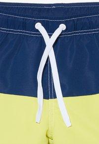 Benetton - SWIM TRUNKS - Shorts da mare - blue - 4