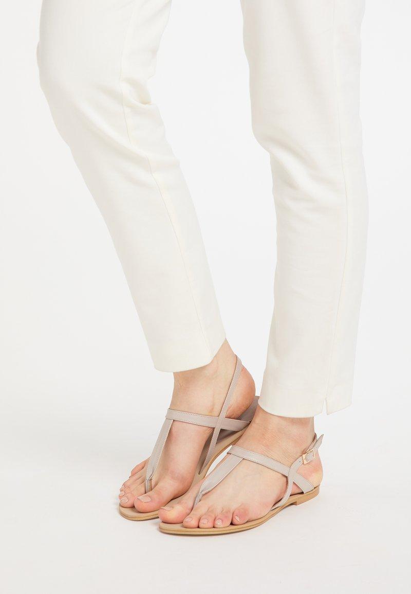 DreiMaster - DREIMASTER  - T-bar sandals - taupe
