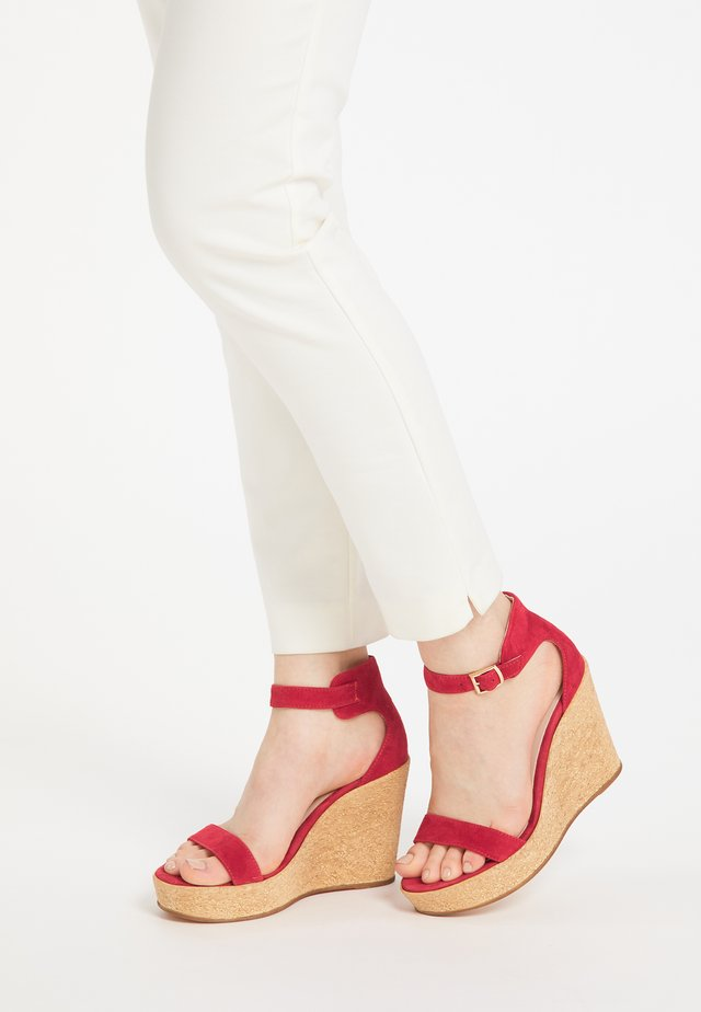 High heeled sandals - rot