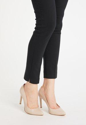 High heels - hellbeige