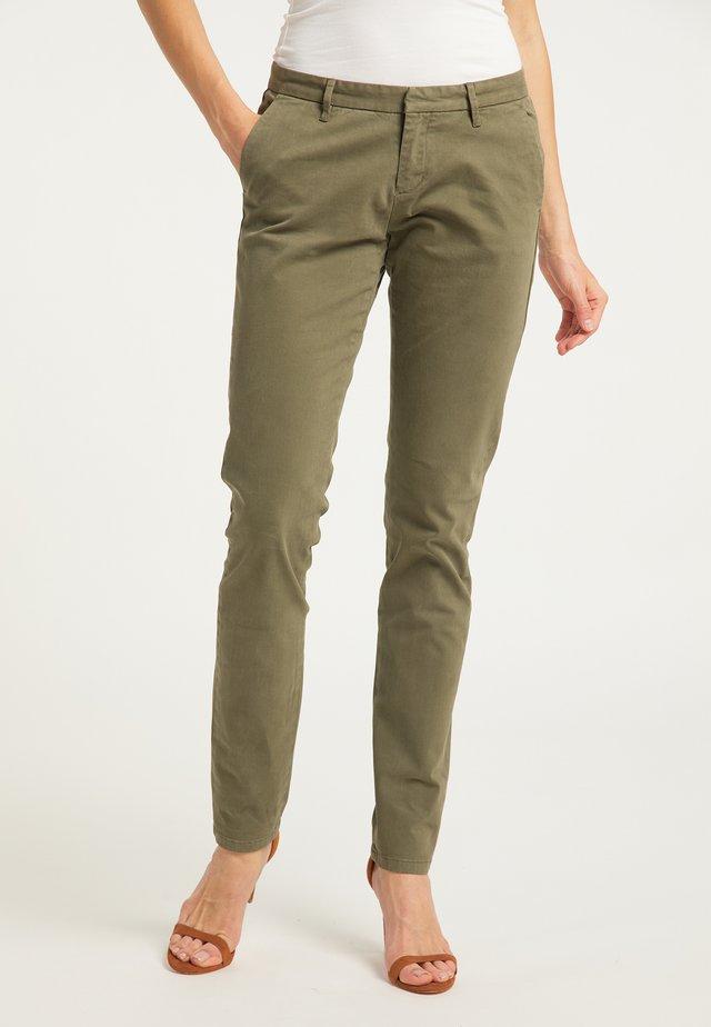 Pantalones - helloliv