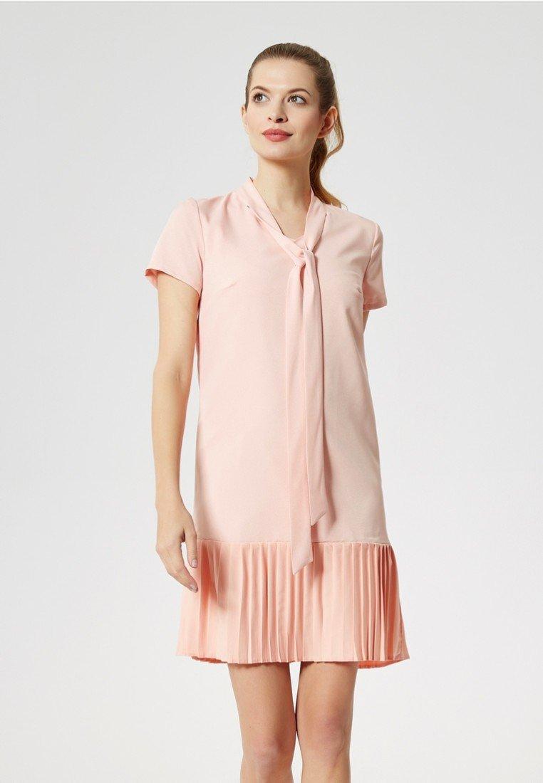 Dreimaster - Strickkleid - pastel pink