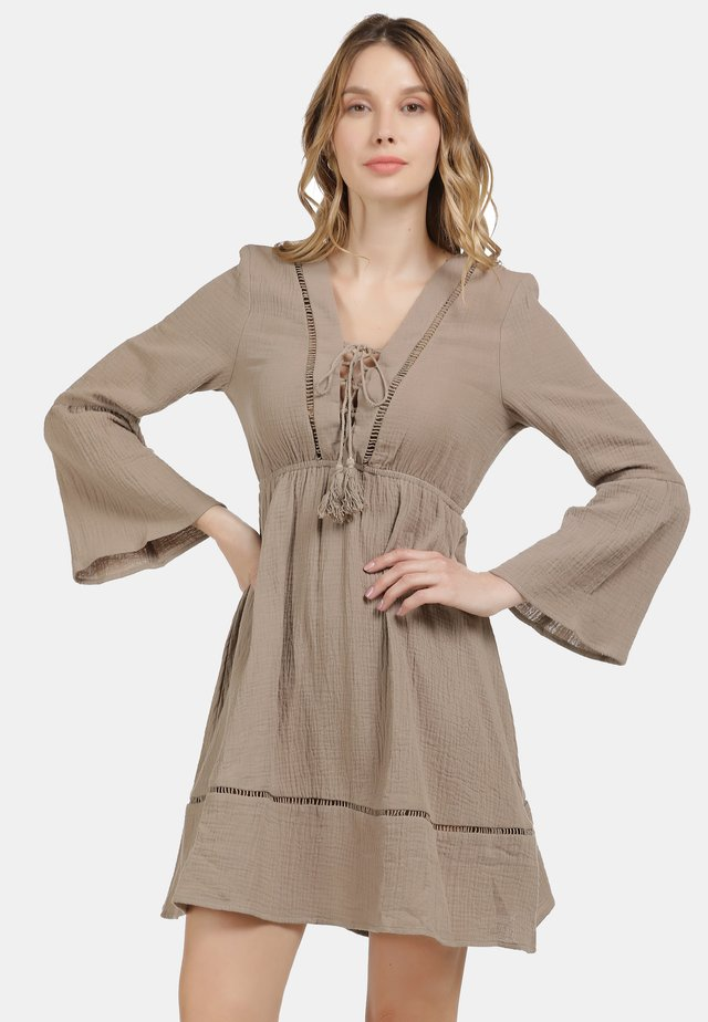Korte jurk - mud