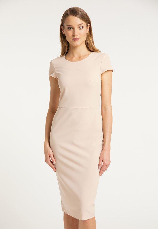 DREIMASTER ETUIKLEID - Shift dress - beige