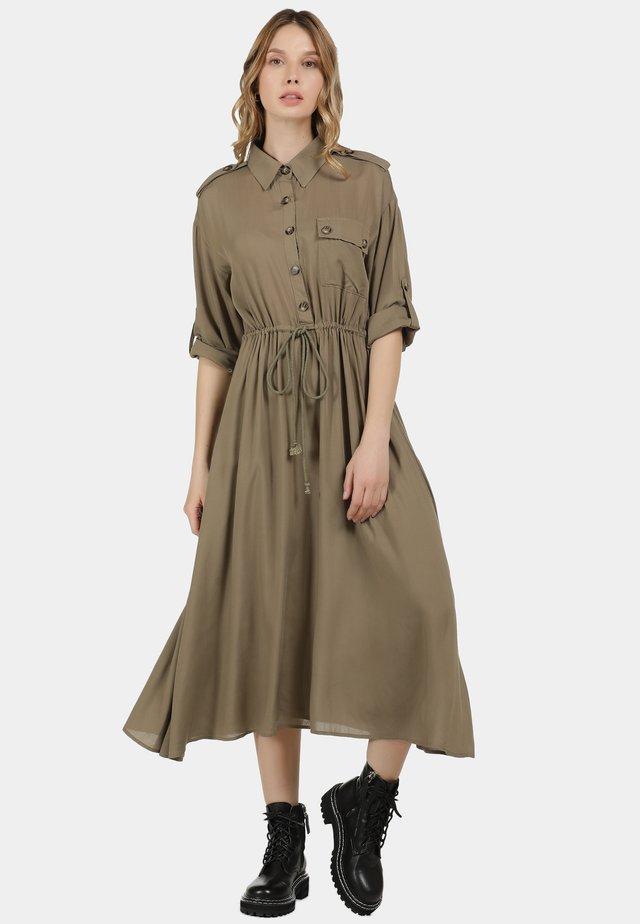 DREIMASTER MIDI-KLEID - Shirt dress - schlamm