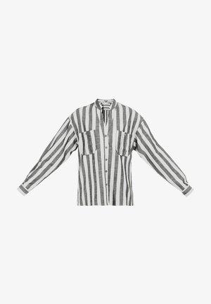 DREIMASTER BLUSE - Button-down blouse - schwarz/weiss