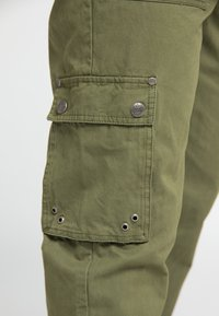 DreiMaster - Cargo trousers - military green - 3