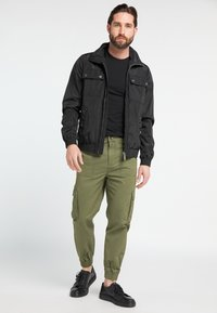 DreiMaster - Cargo trousers - military green