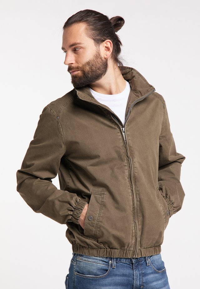 Outdoorjacka - military olive