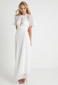 Forever Unique - Společenské šaty - ivory - 0