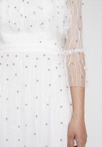 Forever Unique - Společenské šaty - ivory - 3