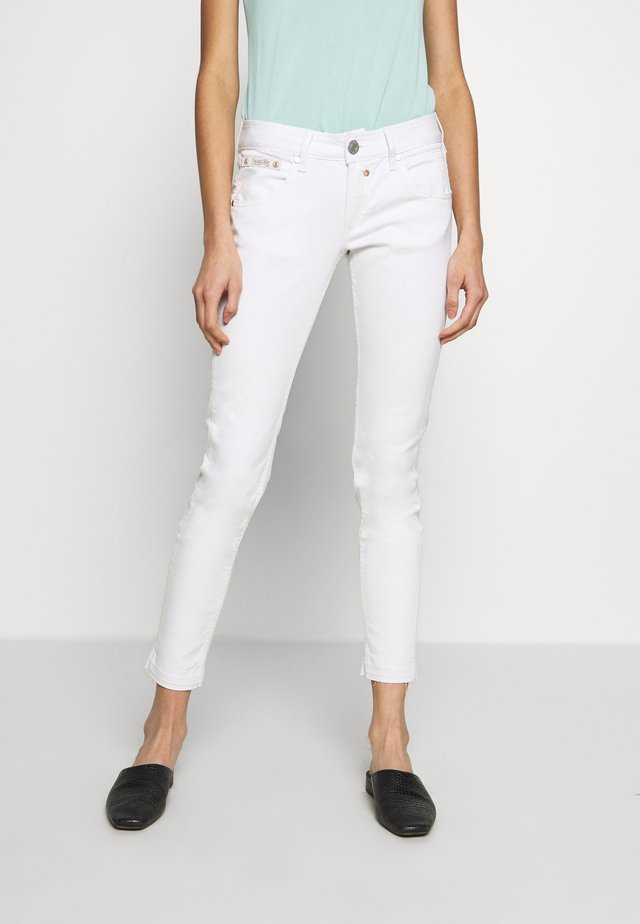 TOUCH CROPPED DRILL STRETCH - Jeans Slim Fit - white