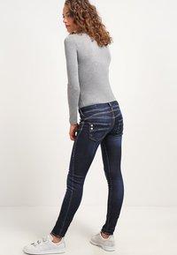 Herrlicher - PIPER SLIM - Slim fit jeans - clean - 2