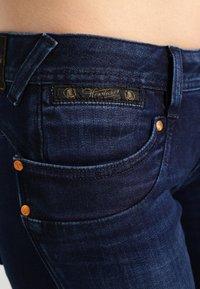 Herrlicher - Piper Slim - Slim fit jeans - deep - 4