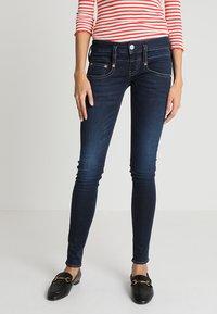 Herrlicher - PITCH SLIM - Slim fit jeans - dull - 0