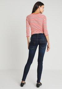 Herrlicher - PITCH SLIM - Slim fit jeans - dull - 3