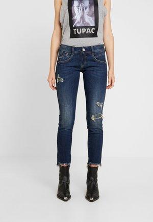 GILA SLIM CROPPED - Slim fit jeans - rough blues destroy