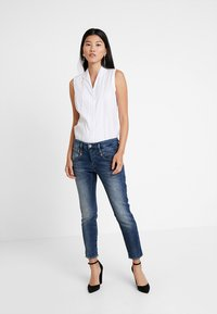 Herrlicher - SHYRA CROPPED - Slim fit jeans - dark blue denim - 1