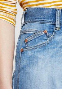Herrlicher - GILA SAILOR CROPPED - Jeans a zampa - navy blue - 3