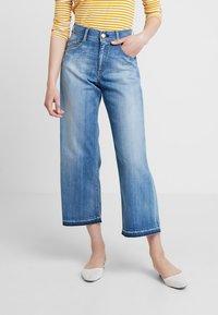 Herrlicher - GILA SAILOR CROPPED - Jeans a zampa - navy blue - 0
