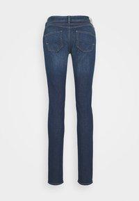 Herrlicher - GILA  - Jeans slim fit - blue denim - 1