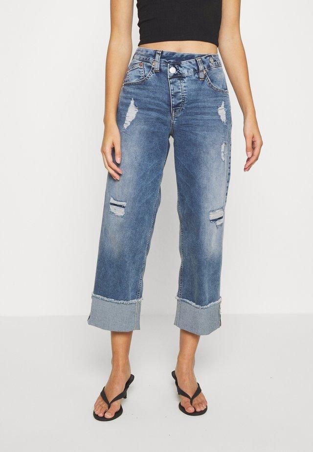 MAZE STRETCH - Jeans baggy - mezzo destroy