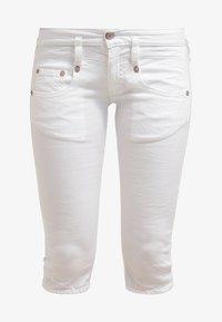 Herrlicher - PITCH - Shorts vaqueros - white - 6