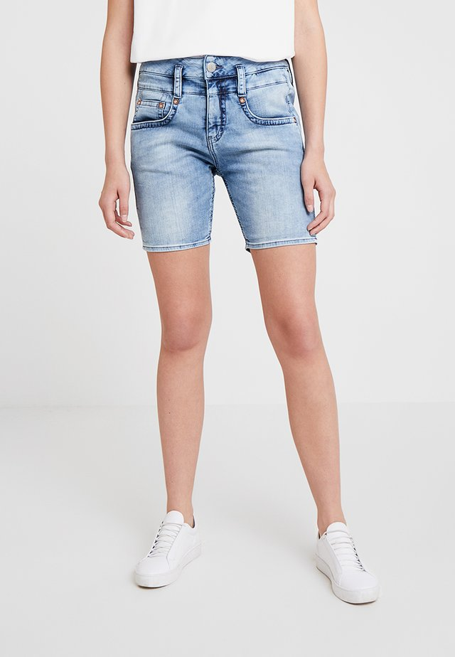 PITCH - Jeansshorts - freshley