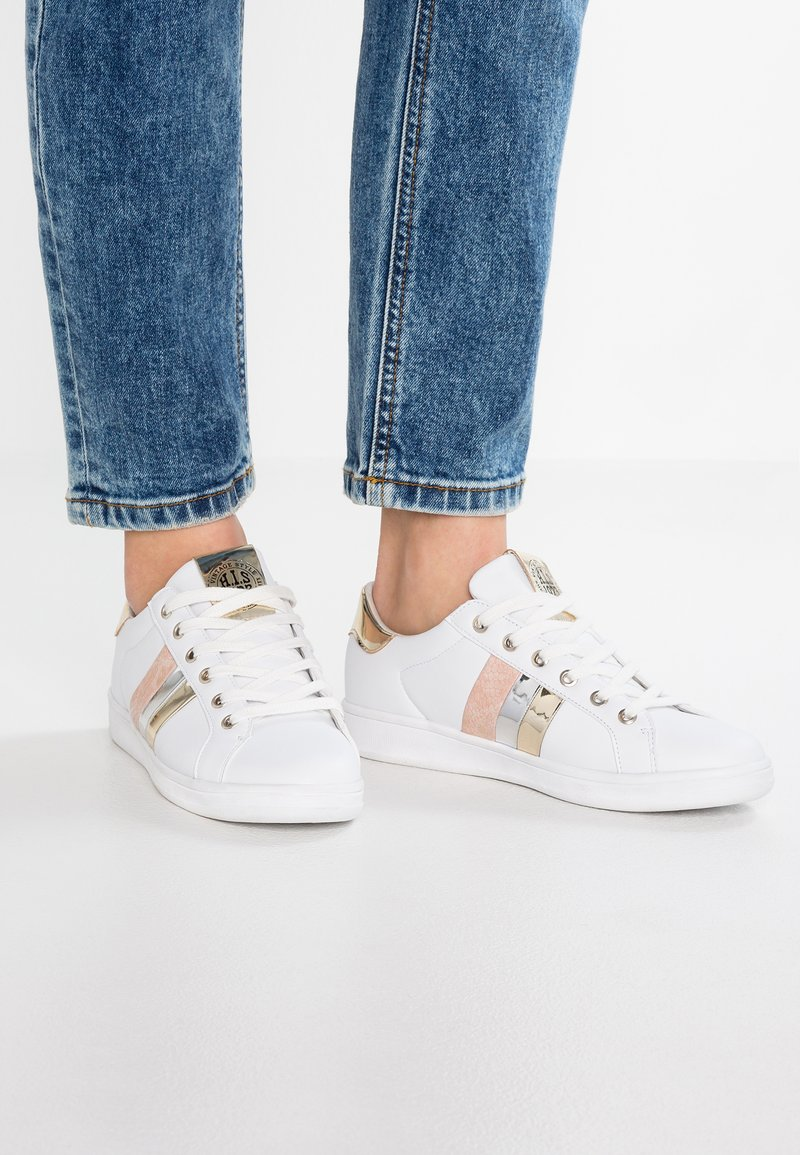 H.I.S - Trainers - white/gold