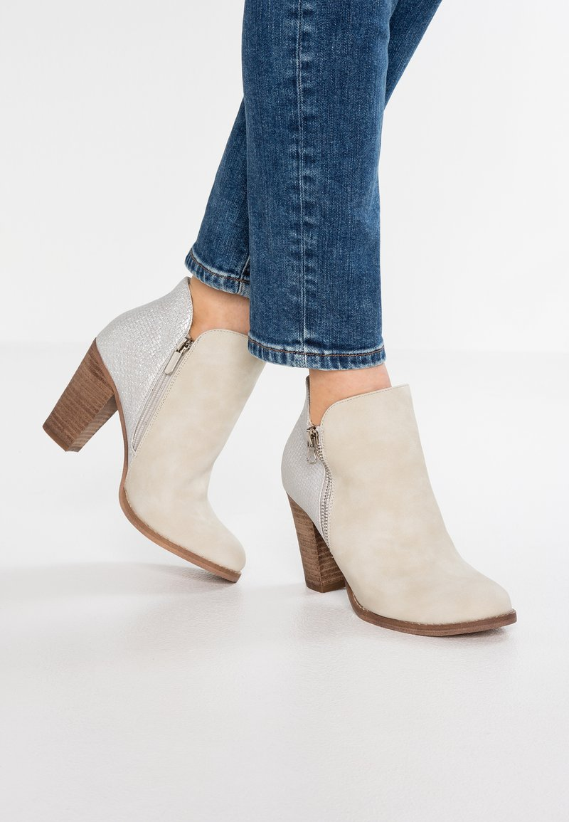 H.I.S - Ankle boots - hielo