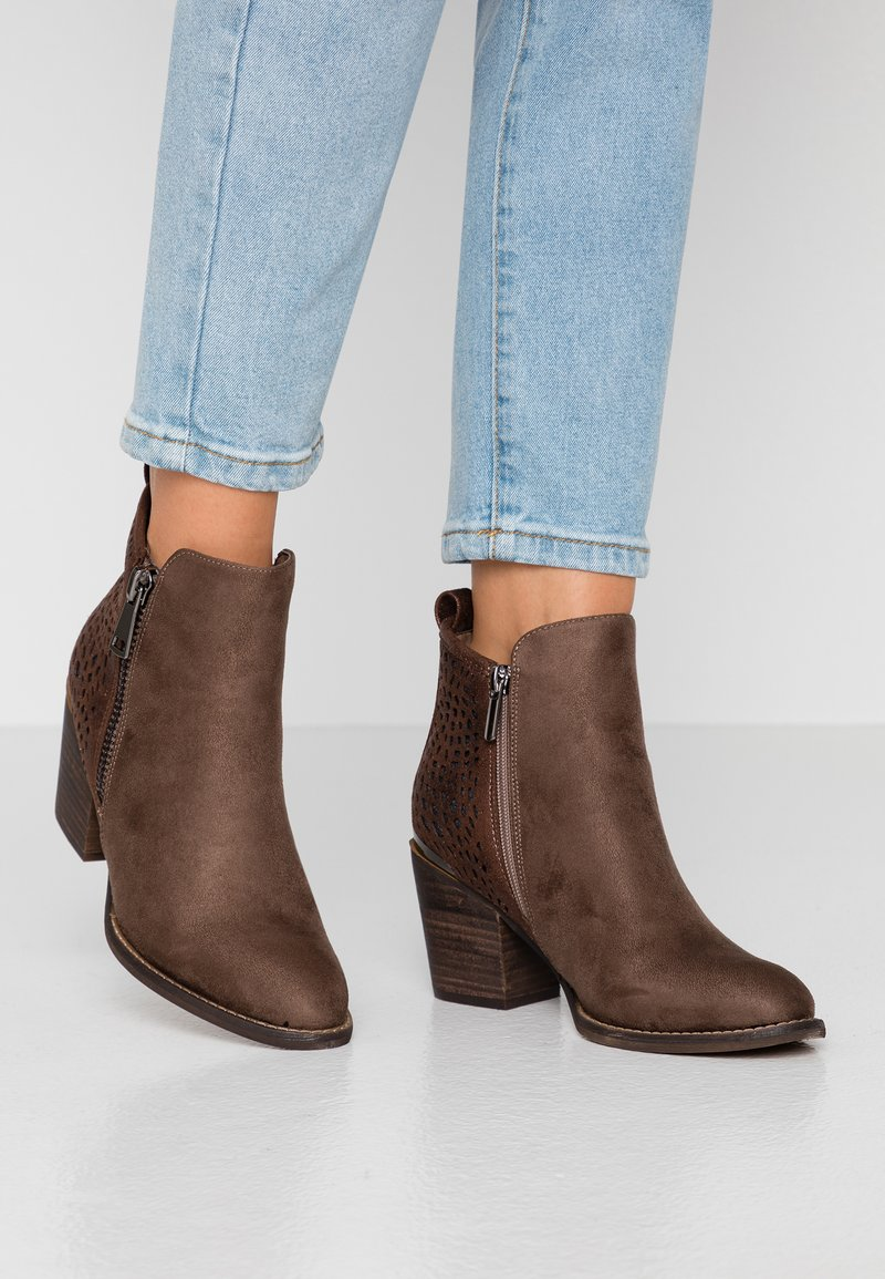 H.I.S - Ankle Boot - taupe