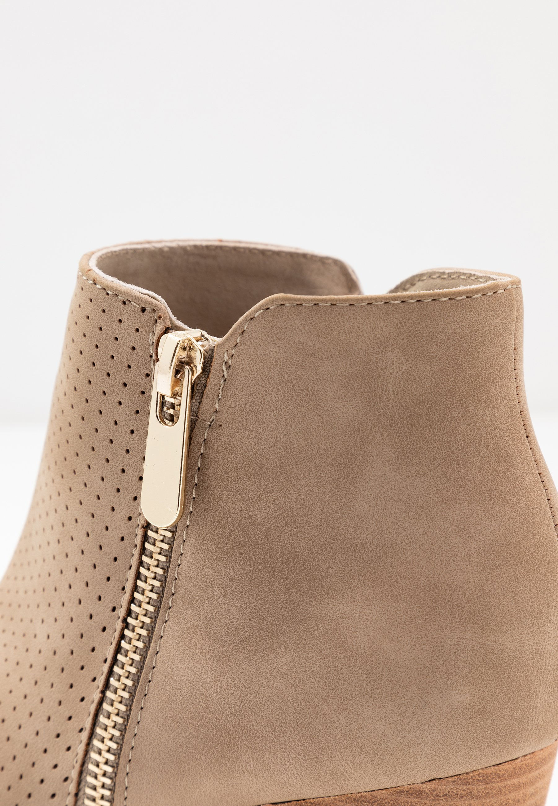 H.I.S Ankle boot - taupe