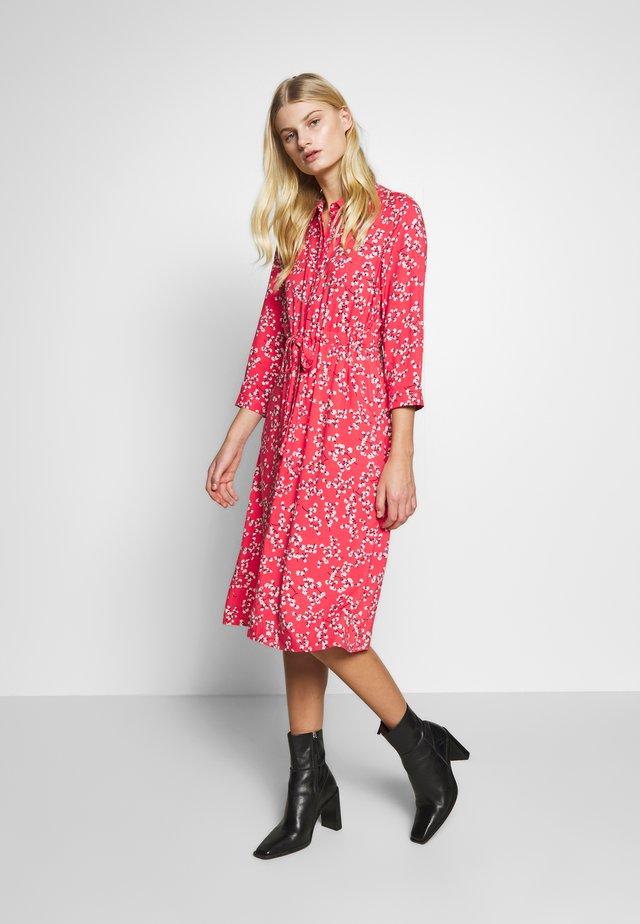 WINSLET - Shirt dress - red